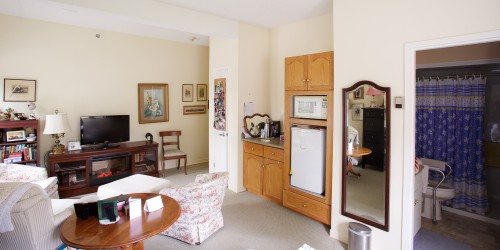 Large Suite with Kitchenette